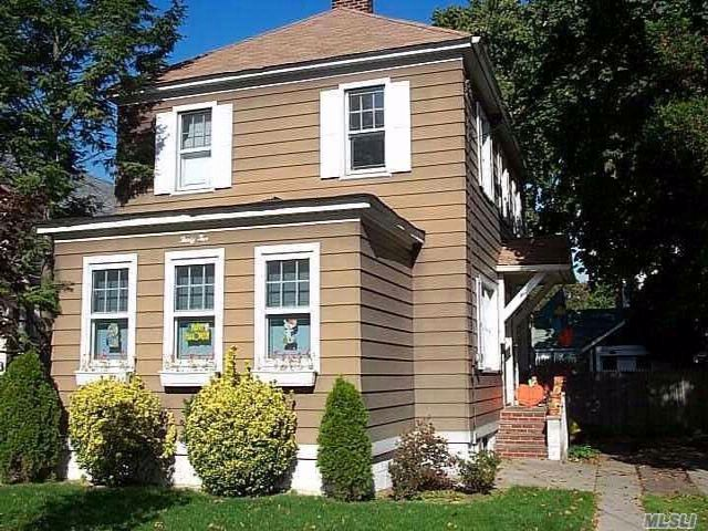 3 BR,  1.50 BTH Colonial style home in Hempstead