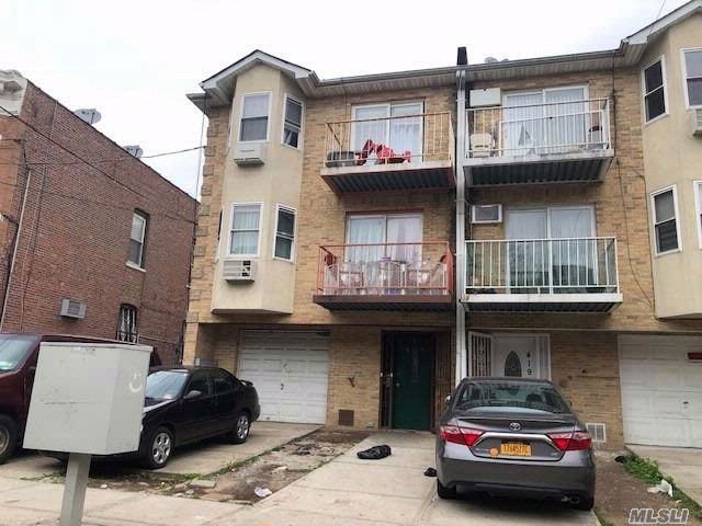 8 BR,  6.00 BTH  Other style home in East New York