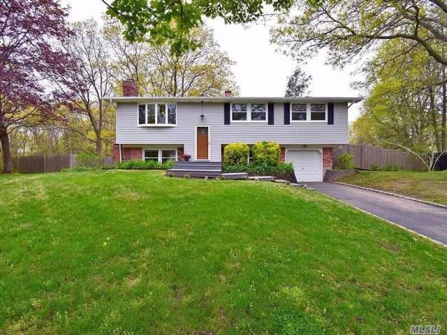 4 BR,  2.00 BTH  Hi ranch style home in East Setauket