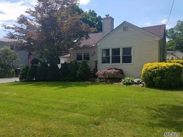 [Dix Hills Real Estate, listing number 3058836]