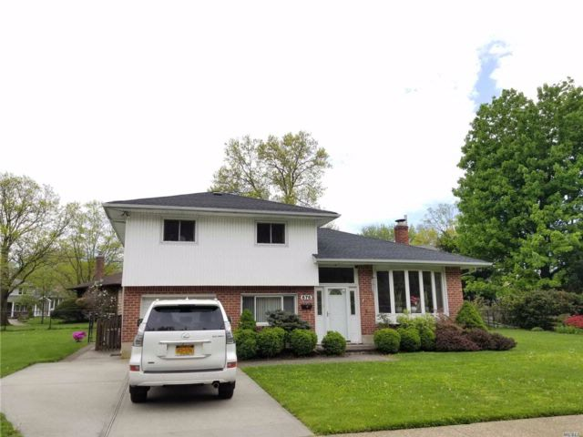 4 BR,  1.55 BTH Split style home in Jericho