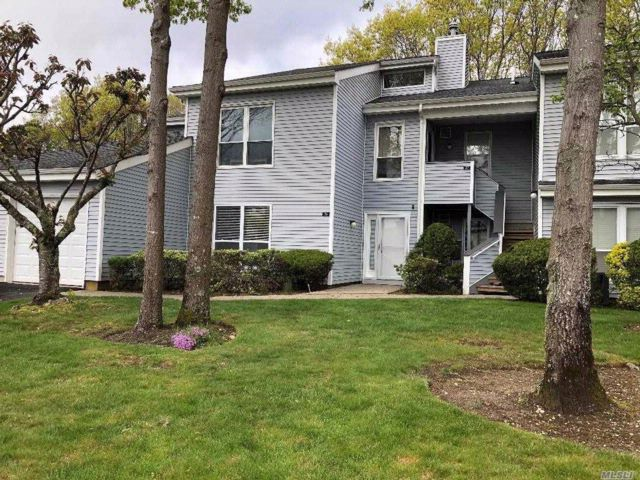 [Manorville Real Estate, listing number 3062060]