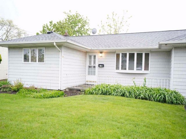 3 BR,  1.00 BTH  Exp ranch style home in East Meadow
