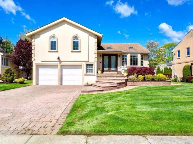 [Manhasset Hills Real Estate, listing number 3063855]