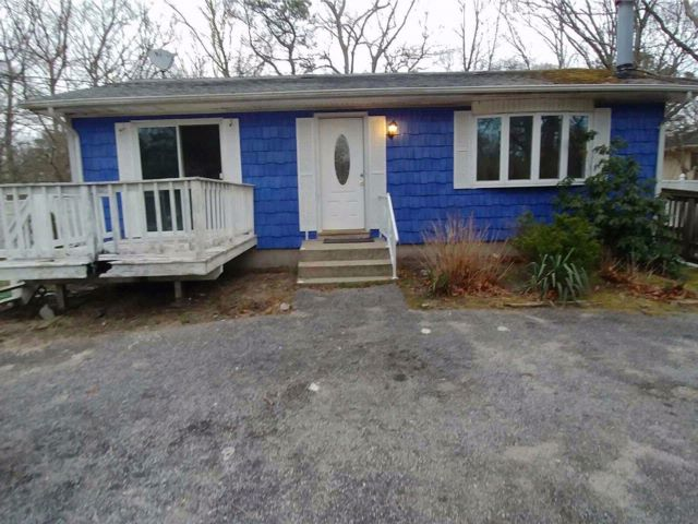 3 BR,  2.00 BTH Ranch style home in Flanders