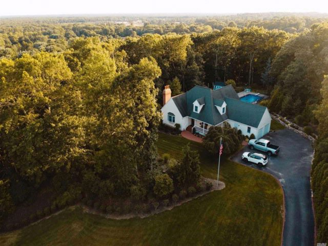 3 BR,  2.50 BTH Farm ranch style home in Wading River
