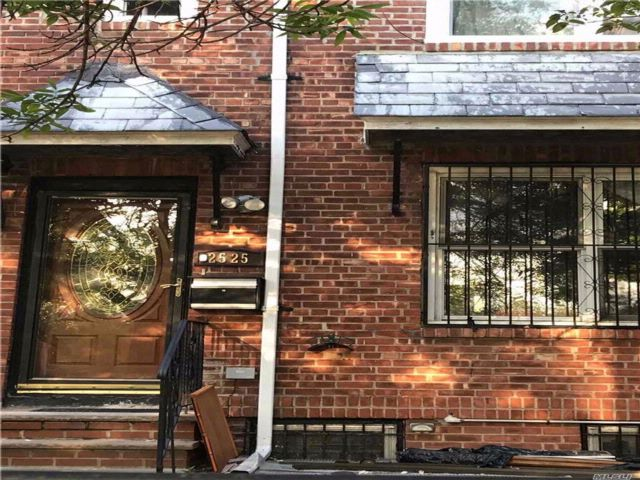3 BR,  1.50 BTH  2 story style home in East Elmhurst