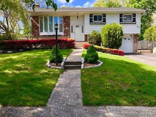 3 BR,  1.00 BTH Hi ranch style home in Smithtown