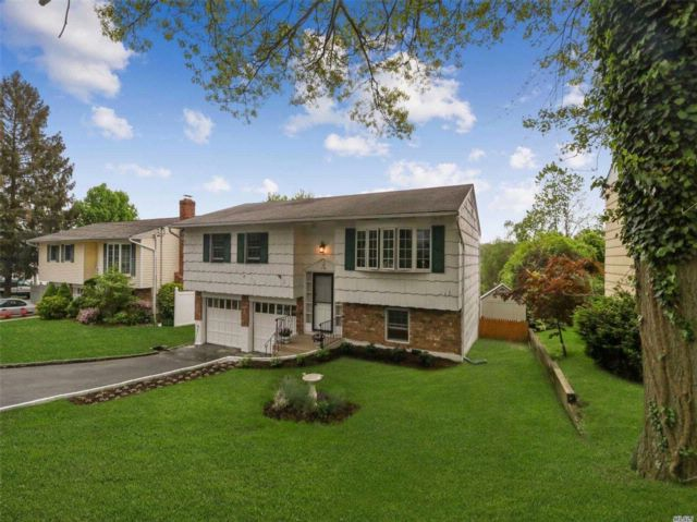 3 BR,  2.00 BTH  Hi ranch style home in Locust Valley