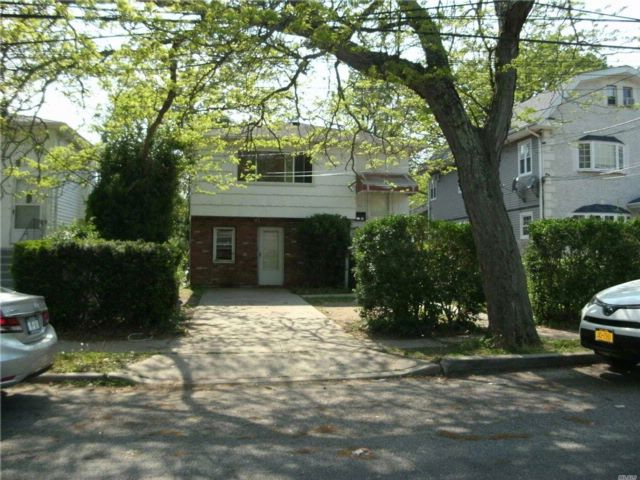 6 BR,  2.00 BTH Hi ranch style home in Roosevelt