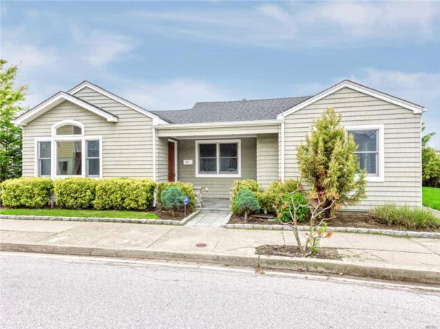 3 BR,  2.00 BTH Ranch style home in Long Beach