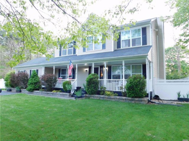 [East Patchogue Real Estate, listing number 3067345]