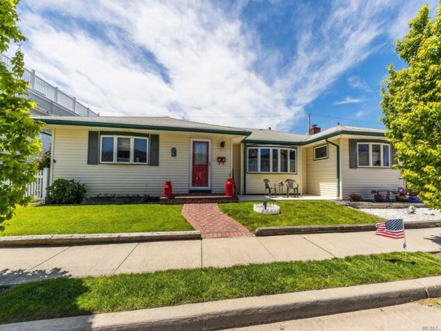3 BR,  2.00 BTH Exp ranch style home in Long Beach