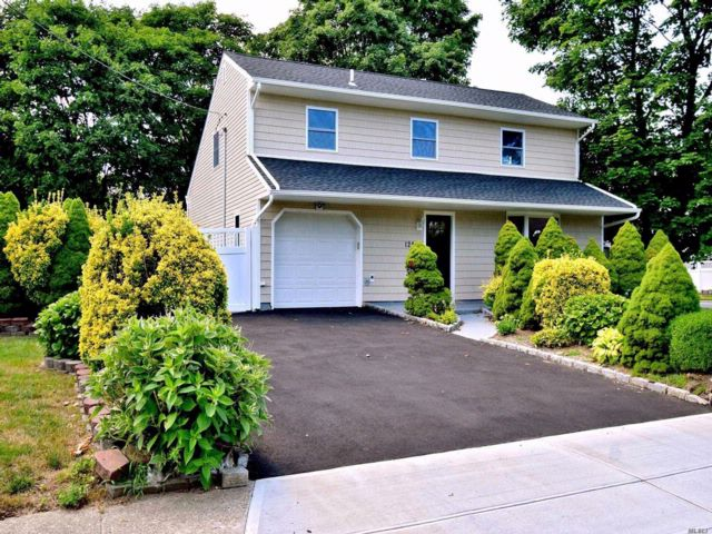 [Central Islip Real Estate, listing number 3067507]