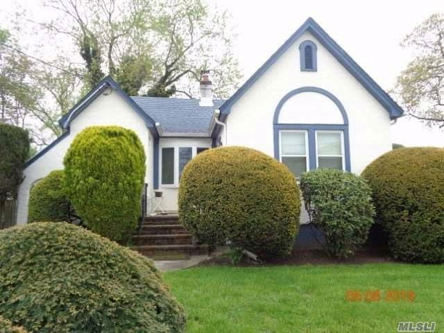 2 BR,  1.00 BTH Bungalow style home in Freeport