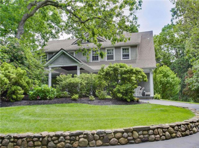 6 BR,  3.50 BTH Hist style home in Shoreham