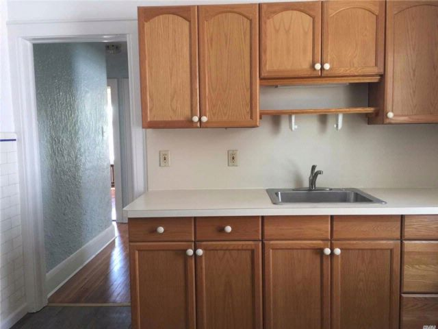 2 BR,  1.00 BTH 2 story style home in Bayside