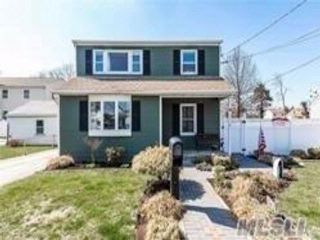 5 BR,  3.00 BTH Hi ranch style home in Elmont