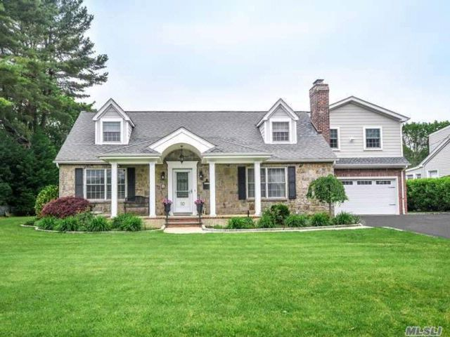 4 BR,  2.00 BTH  Exp cape style home in Glen Head