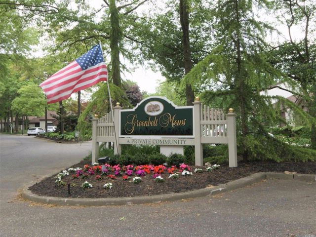 2 BR,  2.00 BTH Condo style home in Holtsville