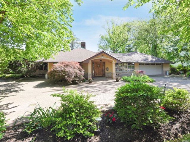 [Roslyn Heights Real Estate, listing number 3068457]