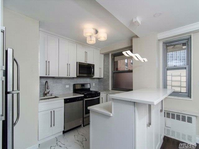 3 BR,  2.00 BTH  Co-op style home in Rego Park