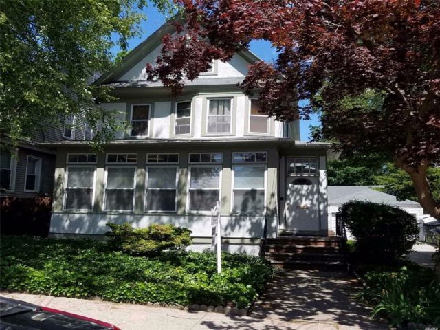 3 BR,  2.00 BTH Victorian style home in Woodhaven