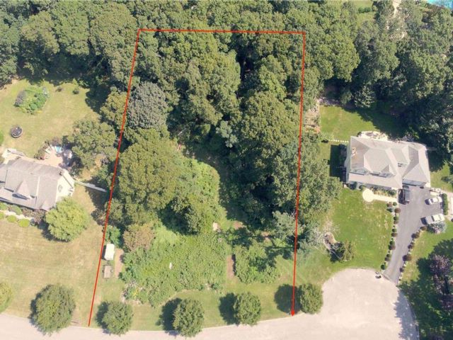 Lot <b>Size:</b> 1.18  Land style home in Wading River