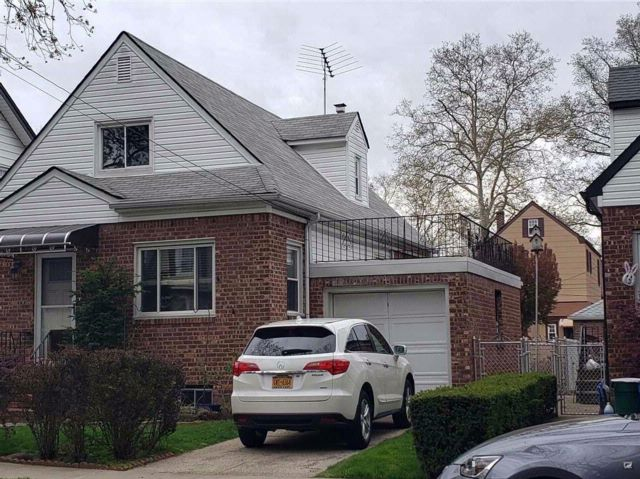 4 BR,  1.55 BTH  Cape style home in Flushing