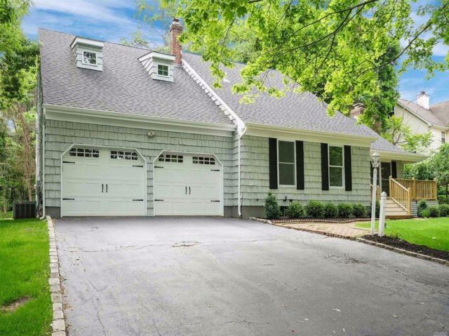 4 BR,  3.50 BTH  Exp cape style home in Port Jefferson