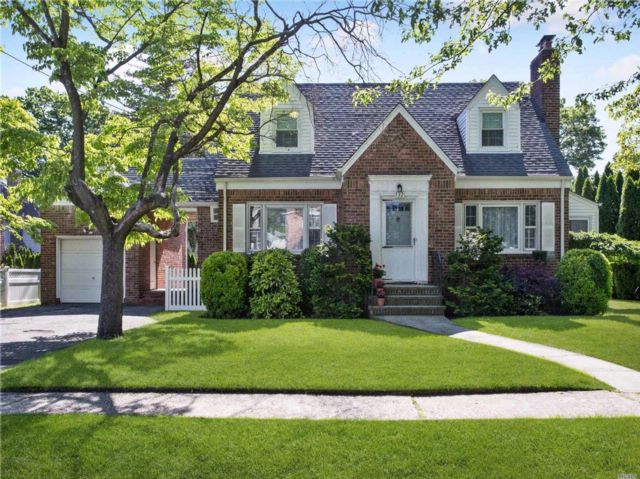 3 BR,  2.00 BTH Exp cape style home in New Hyde Park