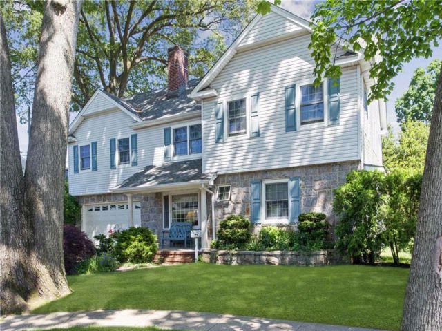 4 BR,  3.50 BTH  Colonial style home in New Hyde Park