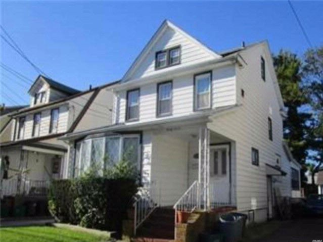 3 BR,  1.00 BTH Colonial style home in Lynbrook