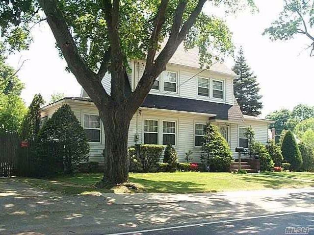 4 BR,  1.50 BTH Colonial style home in Farmingdale