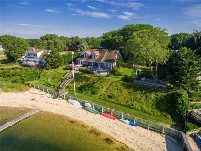 6 BR,  3.50 BTH  Cape style home in Southold