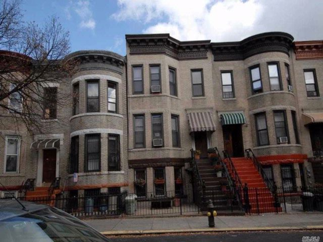 10 BR,  6.00 BTH  Other style home in Sunset Park
