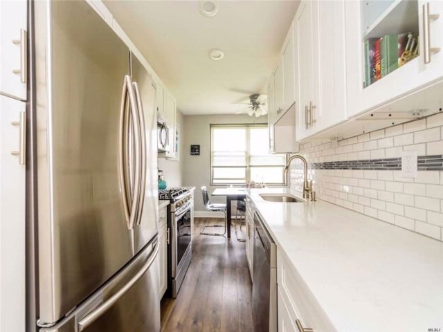 2 BR,  1.00 BTH  Co-op style home in East Rockaway