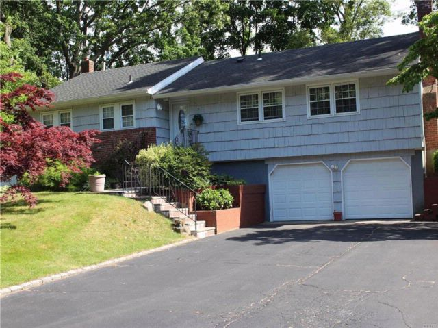 [Hauppauge Real Estate, listing number 3072134]