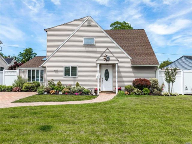 [Wantagh Real Estate, listing number 3072138]