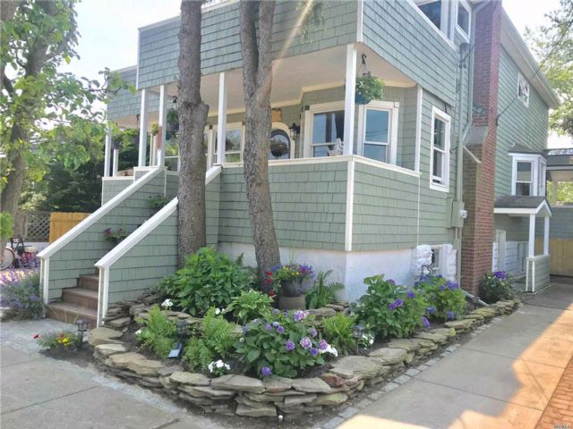 6 BR,  3.00 BTH  Nantucket style home in Point Lookout