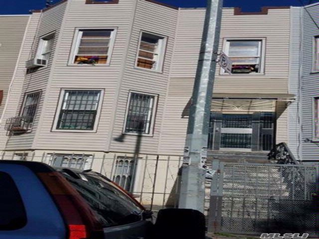 5 BR,  2.00 BTH Other style home in Bushwick