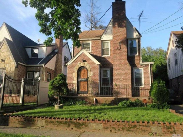 3 BR,  1.50 BTH  Colonial style home in Addisleigh Park