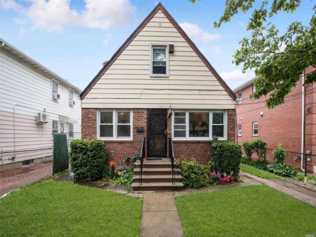 3 BR,  2.00 BTH Exp cape style home in Fresh Meadows