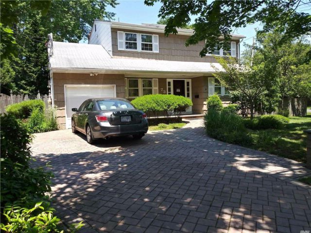 4 BR,  1.50 BTH  Colonial style home in Bay Shore