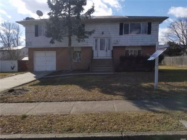 [Wheatley Heights Real Estate, listing number 3074881]
