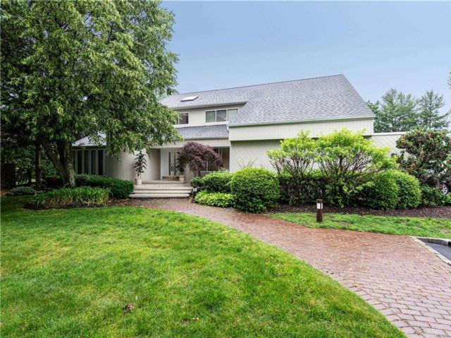 5 BR,  4.50 BTH Contemporary style home in Woodbury