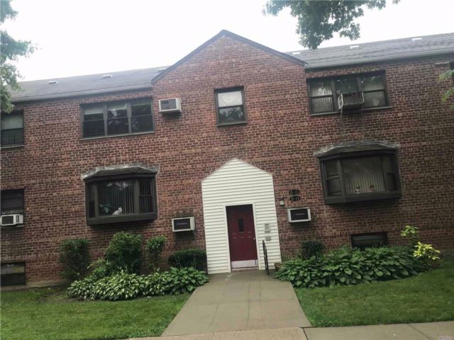 3 BR,  2.00 BTH Co-op style home in Howard Beach