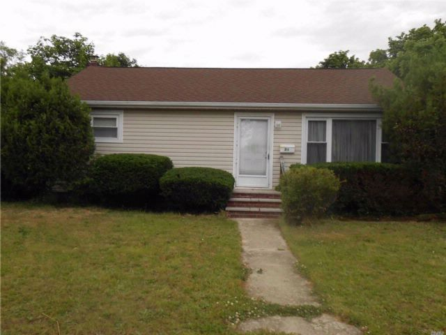 [Amityville Real Estate, listing number 3075171]