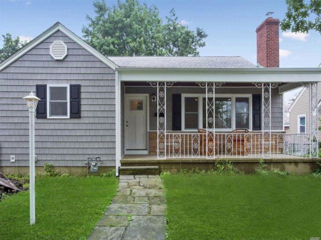 3 BR,  1.00 BTH  Ranch style home in Baldwin