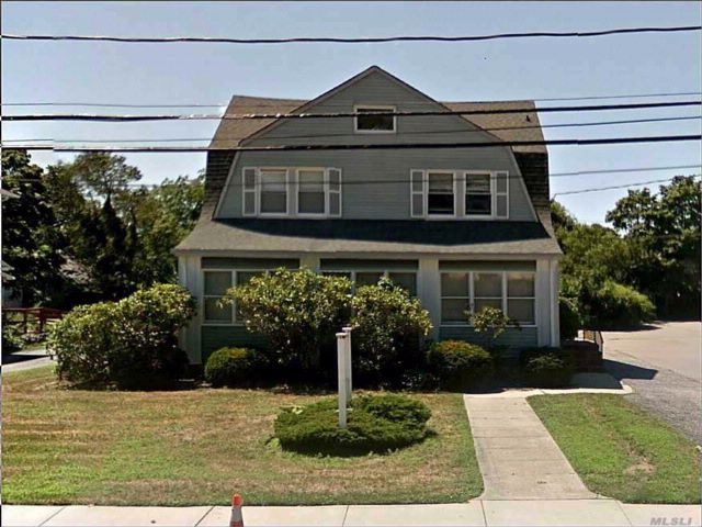 Studio,  0.00 BTH Office style home in Patchogue